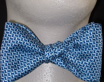 Mens BOW TIE SILK Freestyle Tiny Blue Tumbling Blocks Self Tie Your Own Bowtie
