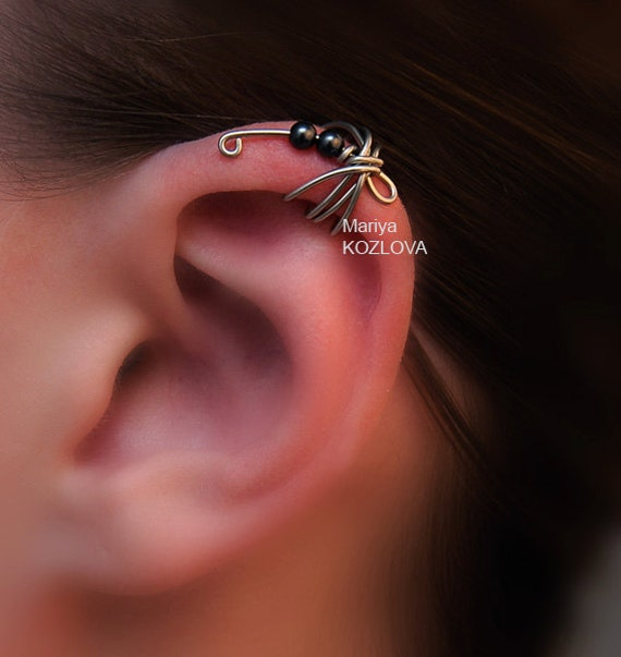No Piercing Cartilage Ear Cuff Black Swarovski Pearls Dragonfly/ Helix ear cuff/ ohr fake faux piercing/ ohrklemme ohrclip/ helix manschette