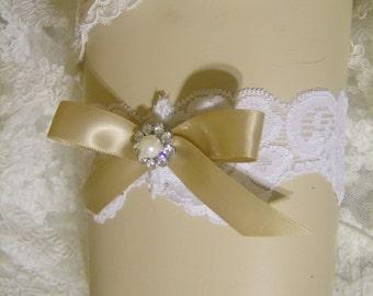 SALE Wedding Garter, bridal garter, keepsake garter, White stretch lace, Satin ribbon bow and metal rhinestone