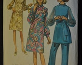 Dress or Tunic in Half Sizes 12 Bust 35 Waist 28  Vintage 1970 Sewing Pattern Simplicity 9084