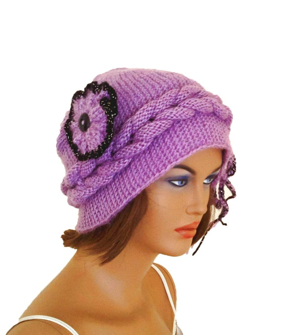 Cable knit angora women beret, hat, with a flower brooch, in lilac and black, Ready to ship, gift for her