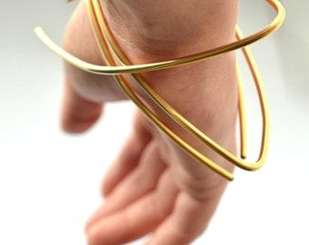 Gold bracelet - Statement jewelry - Stacking bracelet set - Gold bangle - Avant garde jewelry - Arm cuff - Handmade by Gioiellibyliat