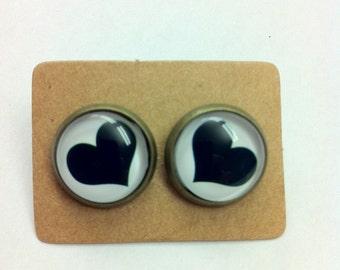 12mm Glass Black Heart Print Vintage Style Earrings