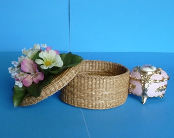 Container, Trinket Holder, Jewlery Holder, For Your Valuables a Tiny Basket with Pink and White Daisies.