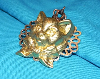 Lovely Brass Kitty with Crown Brooch