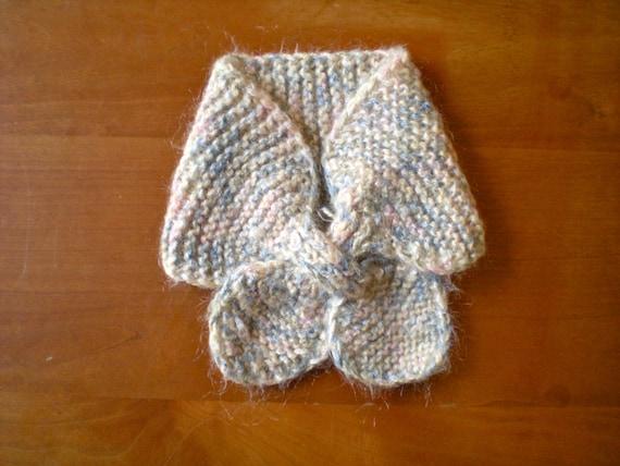 SALE Vintage Crocheted Scarflette (toddler)