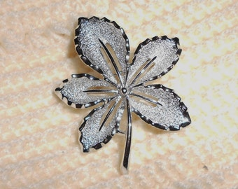 Sarah Coventry Brooch Leaf pin silver tone