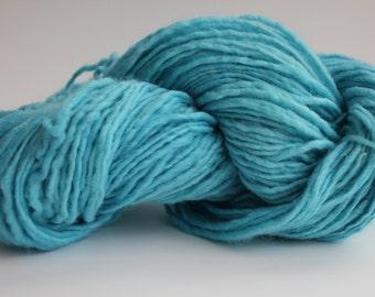 Light Blue Color Medium Weight  Hand  Spun  Wool Hand Knitting Yarn