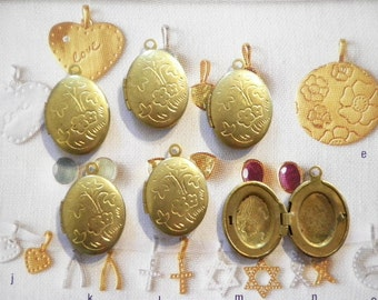 6 Vintage Brass 21mm Oval Lockets