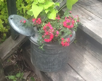 Vintage Galvanized Minnow Bucket Garden Planter Fishing Pail