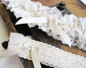 Wedding Garter: Ivory Vintage Inspired Lace Garter Set