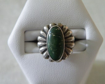Old Pawn Native American Turquoise Sterling Silver Ring - Size 3 U.S.