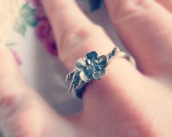 Floral Twig Ring - Sterling Silver - Petite Springtime Flower