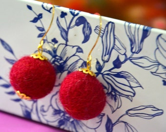 A Set of Needle Felted Felt Balls Earrings - Red