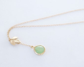 Apple Green Necklace with Leaf - Lariat Gold Filled Chain - Peridot Green Leaf Necklace, Green Wedding Bridesmaid Necklace