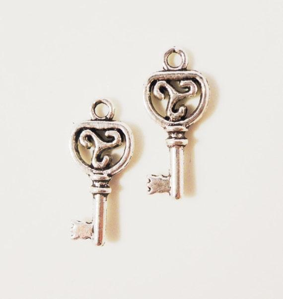 Silver Key Charms 19x9mm Antique Silver Key Charm Metal Key Charms Double Sided Skeleton Key Pendants Jewelry Making Jewelry Supplies 10pcs