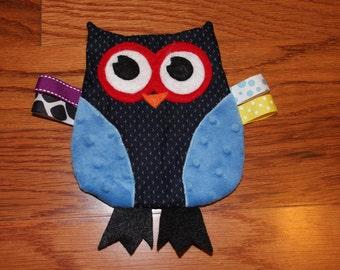 Patriotic Crinkle Owl Toy