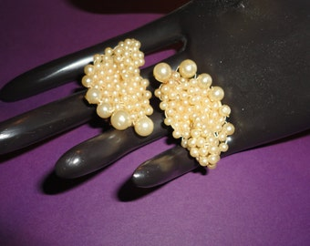 Vintage Faux pearl beaded clip on earrings*