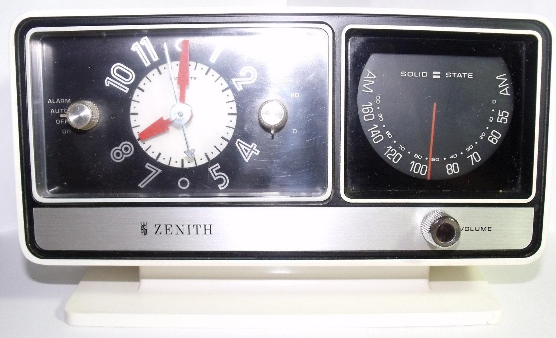 File:Vintage Zenith Table Clock Radio, Model L622, 6 Tubes ... |Zenith Clock Radio