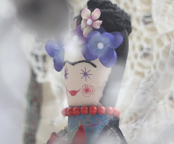 Reserved, Frida Doll