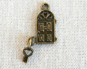"""10 Door With Attached Key """"Home Sweet Home"""" Charms/Pendants"""