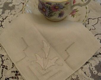 Vintage Hankie Heirloom Fine Linen Appliqued Cut Work Wedding Bridal Hankie Mother of the Bride Mother of the Groom