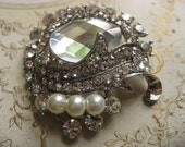 Victorian oval Swarovski pearls and rhinestone crystals wedding bridal bridesmaids brooch pin