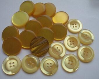 Large Yellow Button Mix I 22 Pcs.