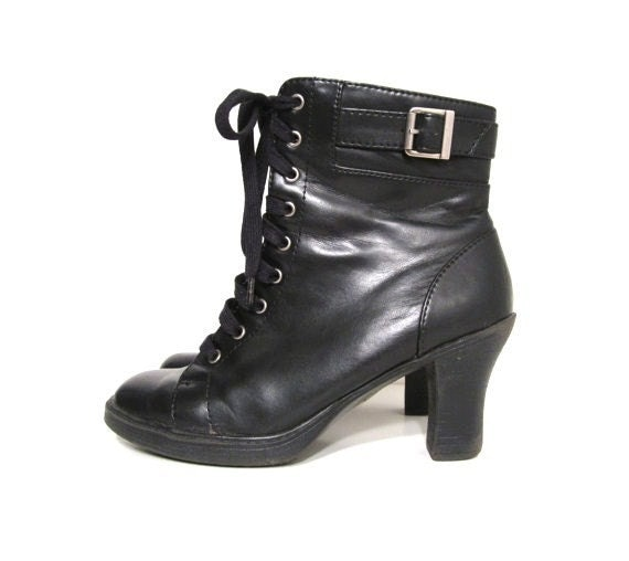 Vintage 90's Grunge Goth Lace Up Black Leather Granny Combat Boots Size 8 1/2 or 9