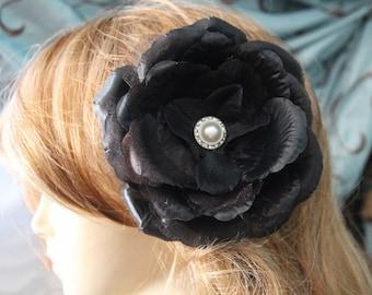 Black color     flower  clip