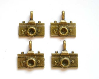 4 Antiqued Bronze Camera Charms - 21-21-1