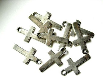 10 Antique Silver Cross Charms - 21-25-2