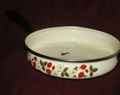 Sheffield strawberry n cream white porcelain enameled steel skillet pan