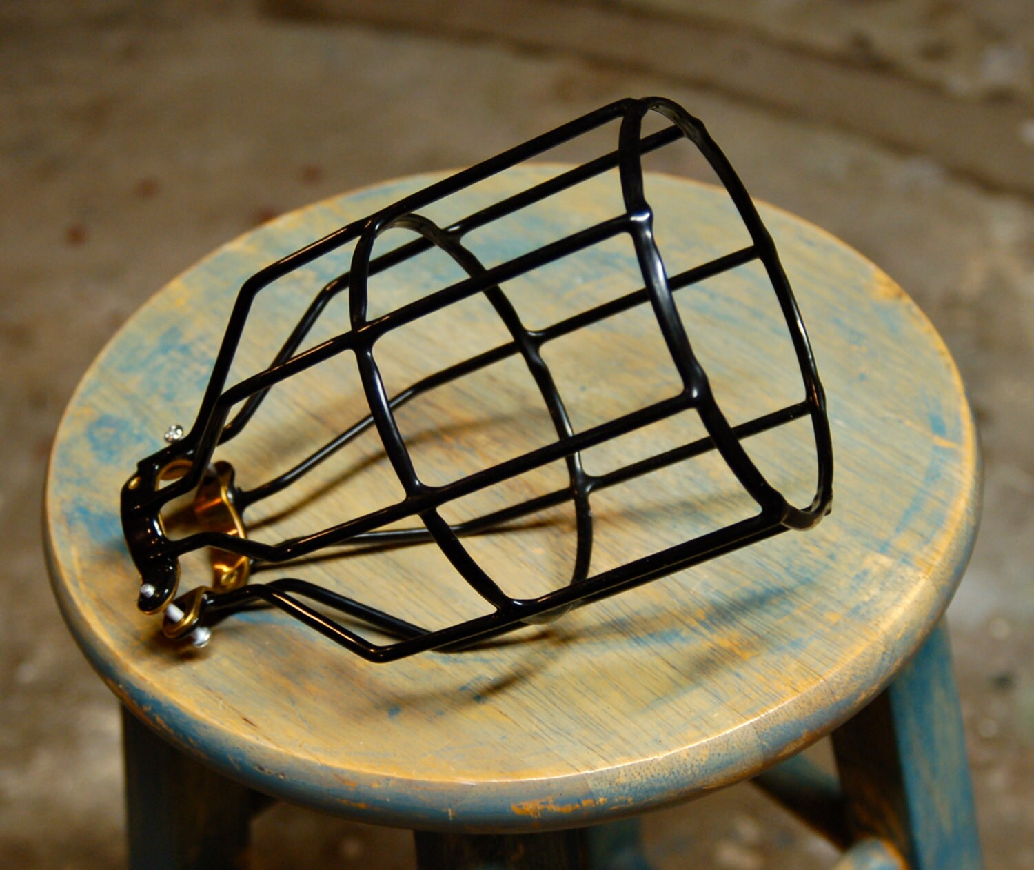 Black Bulb Guard Clamp On Lamp Cage For Vintage Trouble
