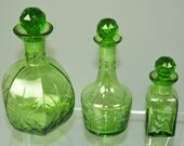 Z82 VTG Cut glass antique green ball top round wine decanter w stopper 3 pc set
