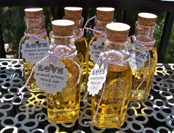 German Wedding Gifts: Vintage Style Honey Bottles With Corks Perfect For Weddings