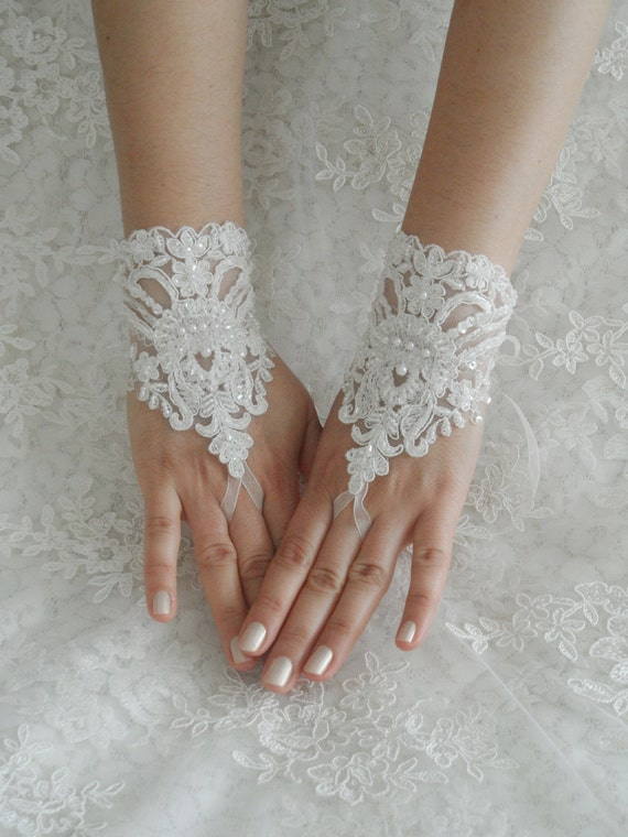 ivory Wedding Gloves, ivory wedding gown, bridal gloves, Free Ship