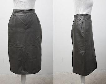Vintage Beige Leather Pencil Skirt / Size S/M / 80s Fashion / High Waist Skirt / Formal Skirt / Office Fashion / Fashion Skirt / Olive Skirt
