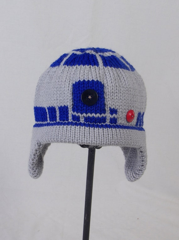Knitting Pattern For R2d2 Hat : Items similar to Custom Knit R2D2 Hat on Etsy