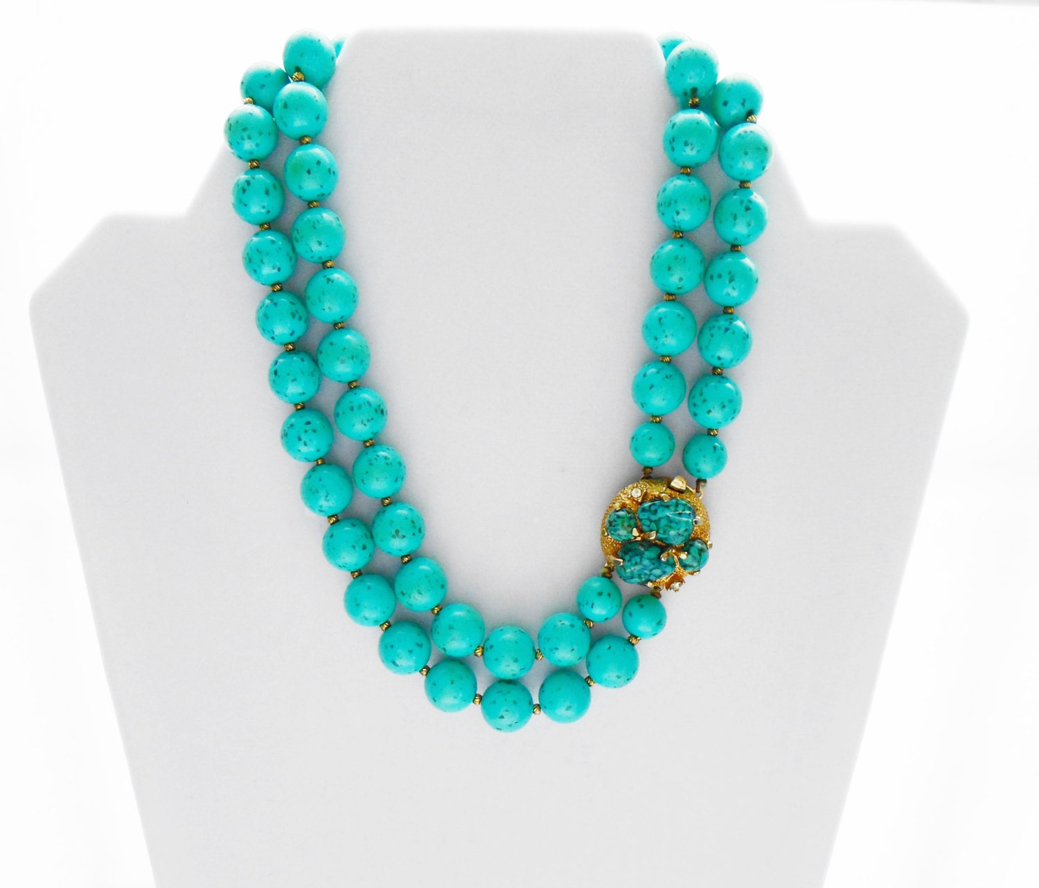 Vintage 1950 39 s turquoise bead costume jewelry neclace for Turquoise colored fashion jewelry