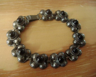 old sterling and onyx mexican bracelet