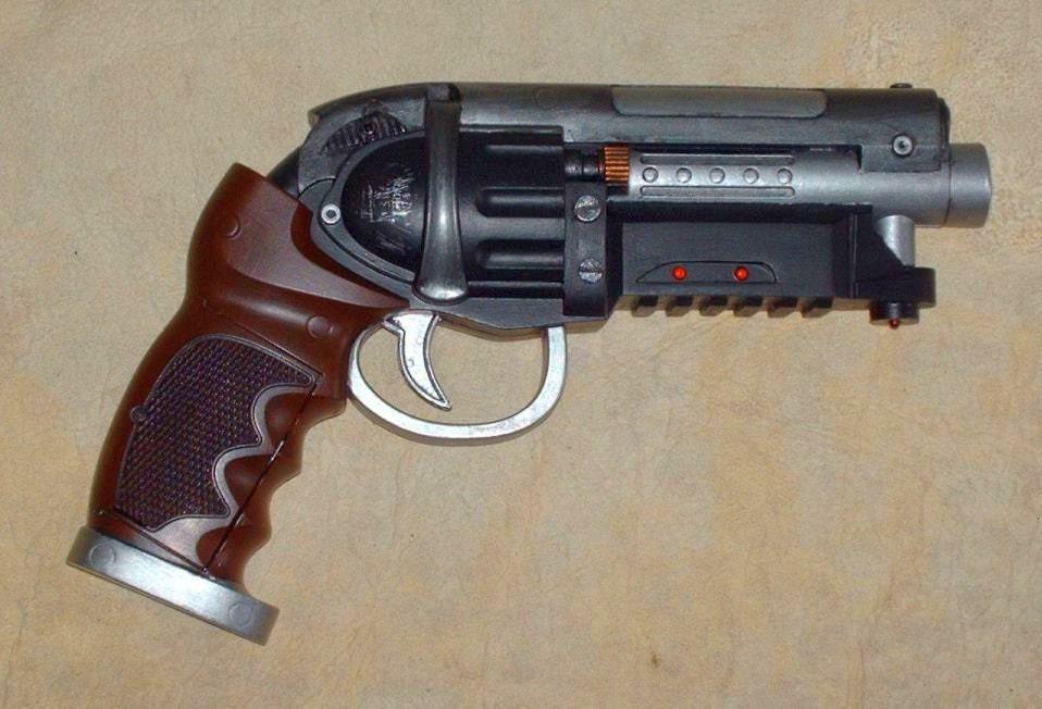 Blade Runner Pkd Blaster Modded Toy Gun With Lights And