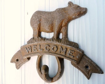 Shabby Chic, Retro style cast iron Bear Hook Welcome sign in NUTMEG with White base