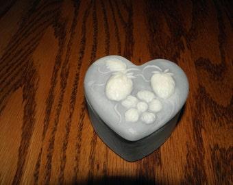 Design International Heart Box