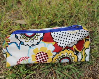 Zippered Makeup Bag Flat Bottom Abstract Floral with Yellow Lining & Blue Zipper