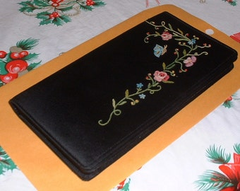 Black Satin Flower Embroidered Evening Clutch Purse 1960's Made in France