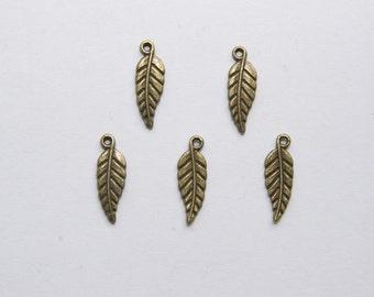 10 Pcs. charms /metal pendants leaf / antique bronze tone A162