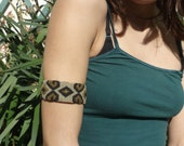 SNAKE SKIN SHAPE bracelet adjustable //// Tribal, ethnic, artwork, handmade, handcraft, gemstone, macramé