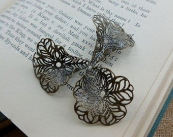 4x Filigree Flower Bead Caps, 3D Antique Brass Jewellery Findings C370