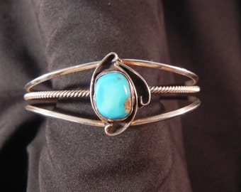 Vintage Cuff Bracelet Native American Indian Three Silver Bands and Turquoise Setting